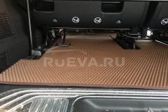 Mercedes-Benz_Vito_RuEVA_avtokovriki_3
