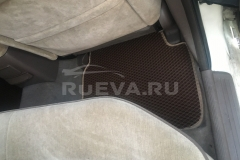 Nissan_Laurel_RuEVA_avtokovriki_4
